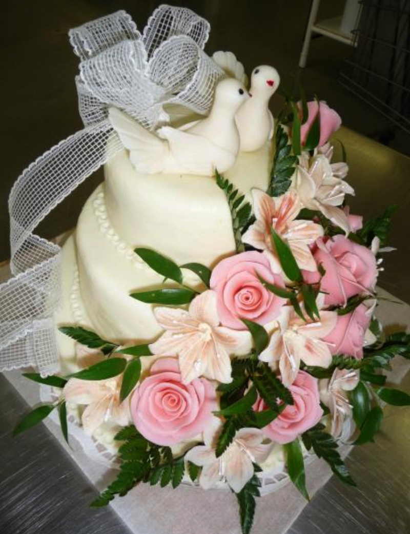 Svatební dort - hrdličky