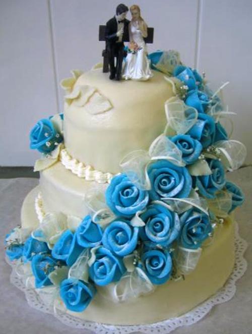 Svatební dort - modré růže
