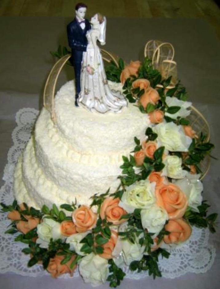 Svatební dort - čajové růže