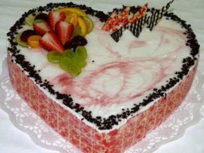 Svatební dort - srdce jahody