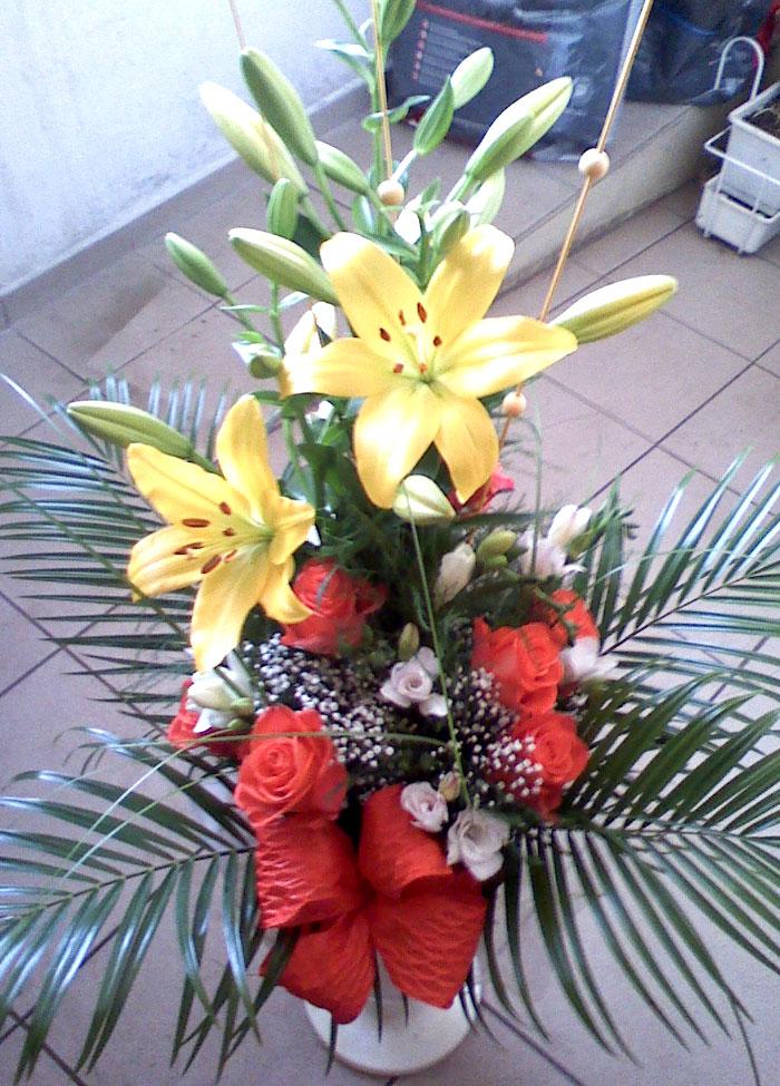 KY-610 Příležitostní kytice