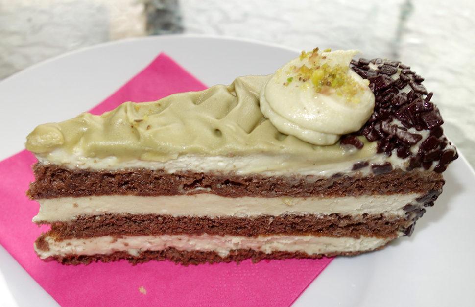 ZK-033 Pistáciový dort, řez