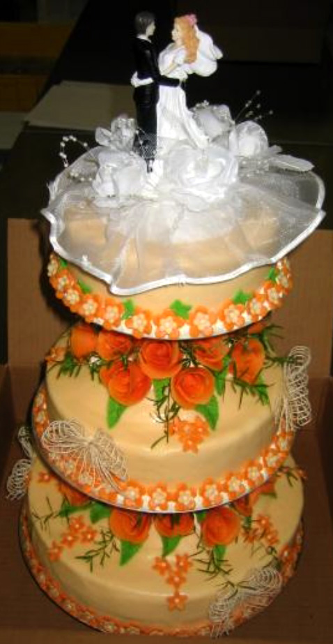Svatební dort - tři patra oranžový