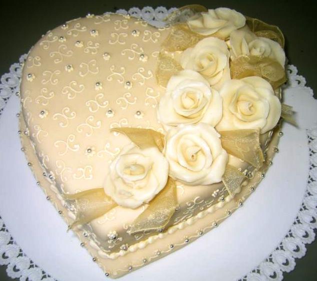 Svatební dort - bílé srdce