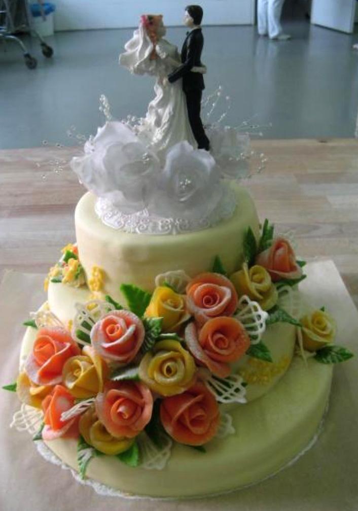 Svatební dort - patra, žluté aoranž růže