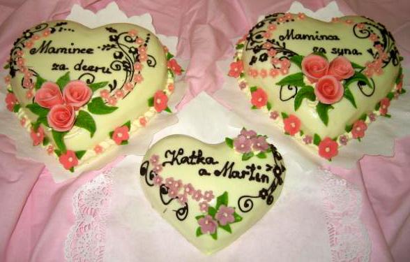 Svatební dort - tři srdce zasyna