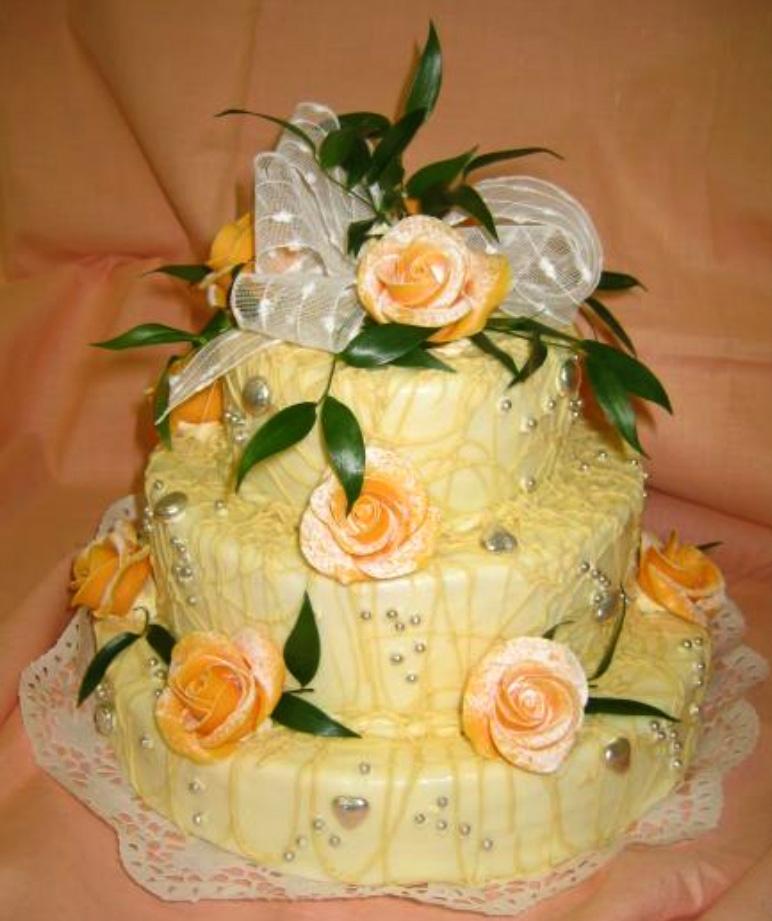 Svatební dort - žluté růže
